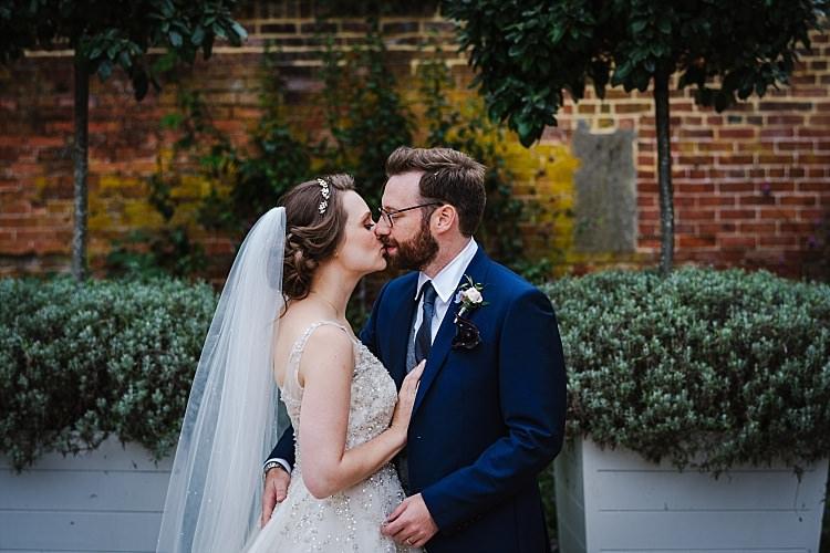 Sparkle Old Hollywood Glamour Wedding https://www.jonnybarratt.com/