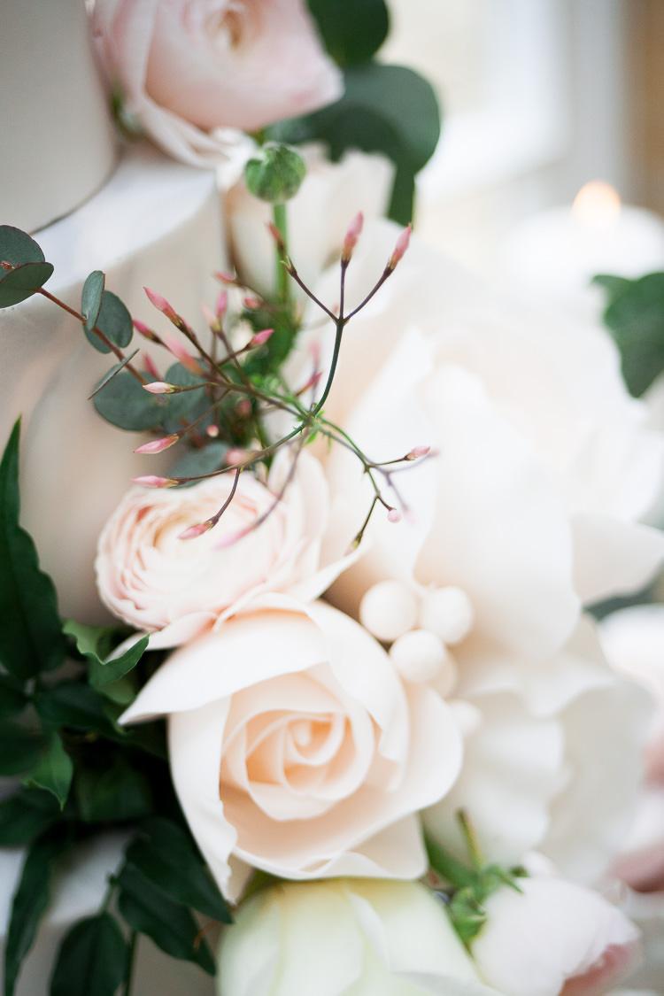 Blush Roses Flowers Ethereal Soft Fine Art Wedding Ideas http://lizbakerphotography.co.uk/