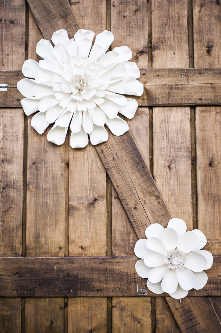 Paper Flowers Decor Chilled Country Boho White Green Wedding http://eleanorjaneweddings.co.uk/