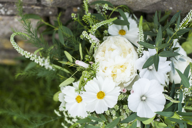 Peony Greenery Foliage Bouquet Flowers Chilled Country Boho White Green Wedding http://eleanorjaneweddings.co.uk/