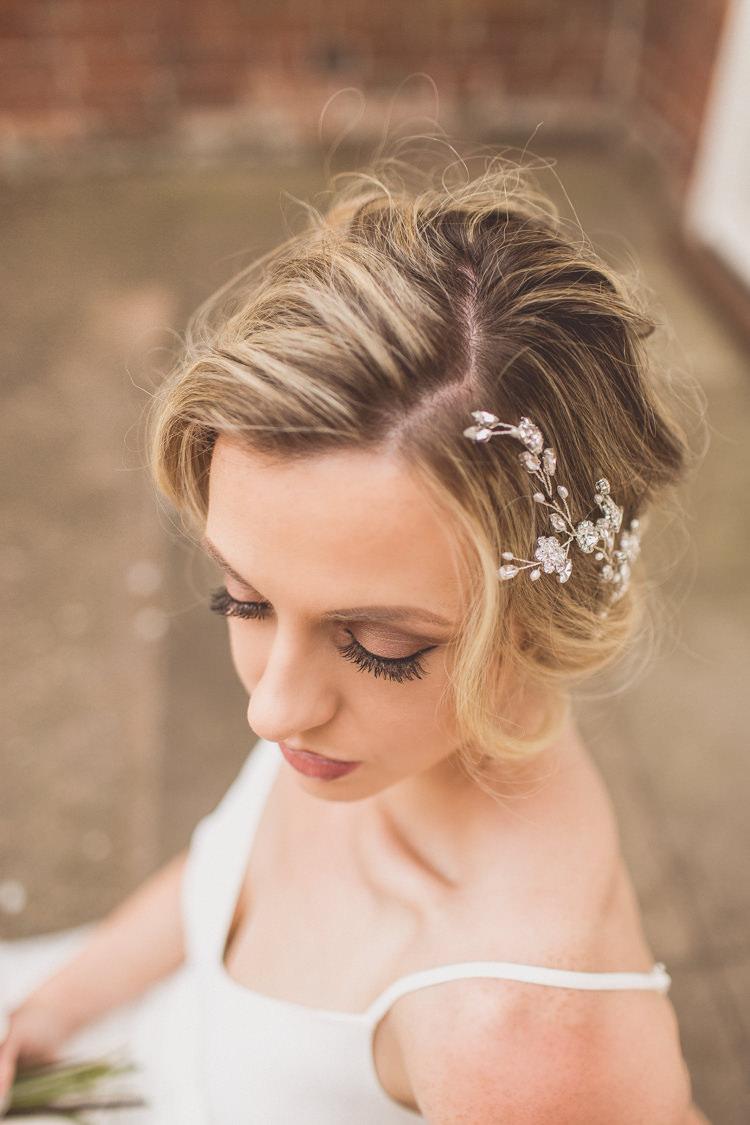 Make Up Bride Bridal Eyeshadow Eyeliner Rose Quartz Serenity Spring Wedding Ideas https://www.wearetheclarkes.com/