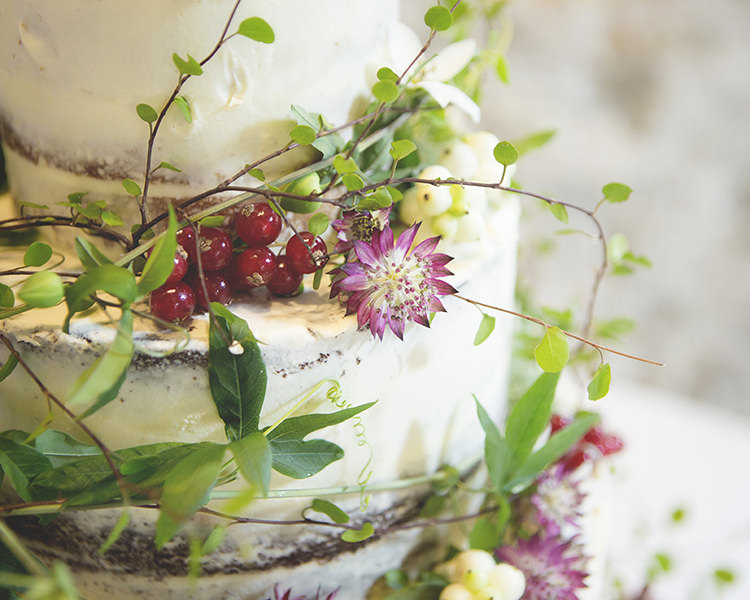 Pastel Pretty Flower Garden Style Wedding http://katrinamatthewsphotography.co.uk/