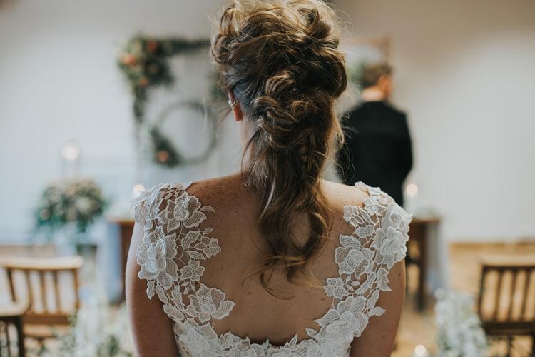 Hair Bride Bridal Style Messy Rustic Industrial Into The Wild Greenery Wedding Ideas http://www.ivoryfayre.com/
