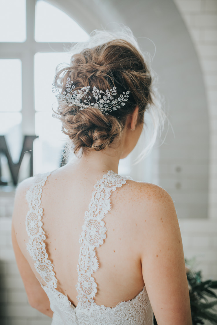 Hair Bride Bridal Style Messy Rustic Accessory Industrial Into The Wild Greenery Wedding Ideas http://www.ivoryfayre.com/