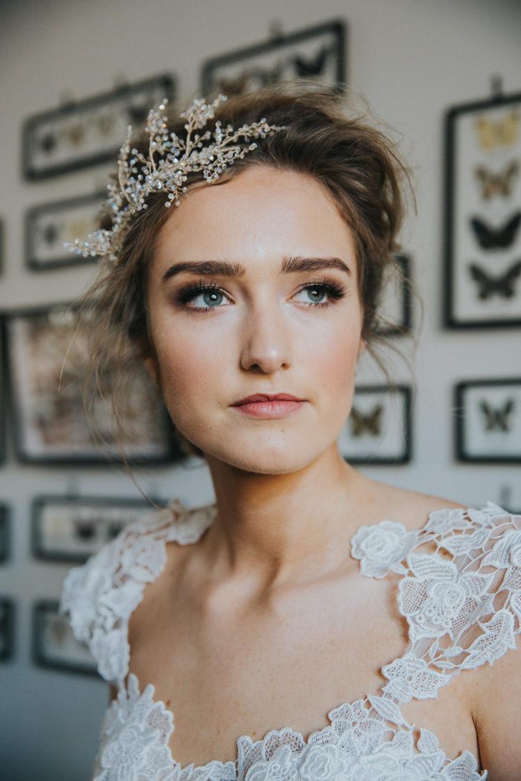 Make Up Bride Bridal Fresh Pretty Natural Industrial Into The Wild Greenery Wedding Ideas http://www.ivoryfayre.com/