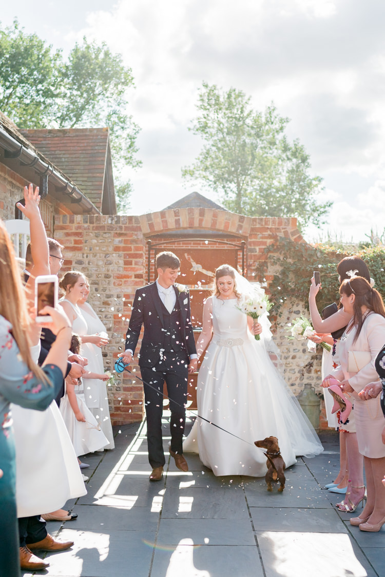 Confetti Throw Modern Rustic Ivory Barn Wedding http://vickylamburn.com/