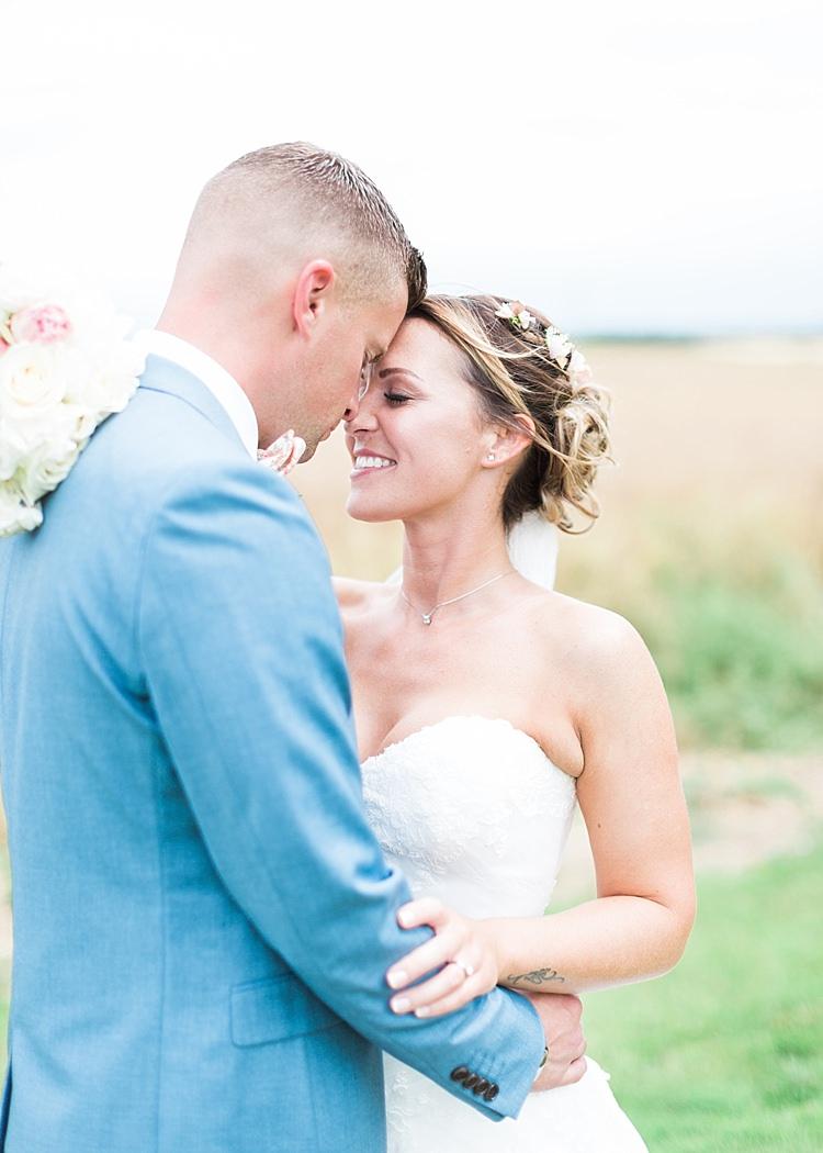 Romantic Soft Pastels Barn Wedding http://www.sungblue.com/