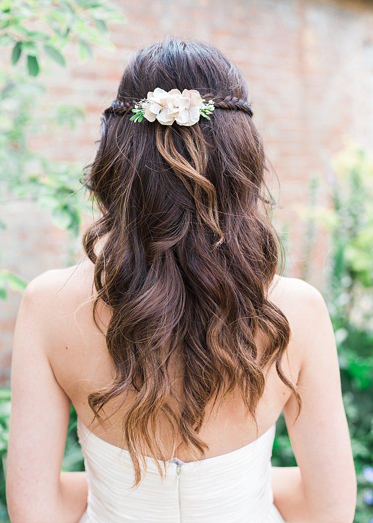 Bridesmaid Hair Flowers Wavy Curls Plait Romantic Soft Pastels Barn Wedding http://www.sungblue.com/