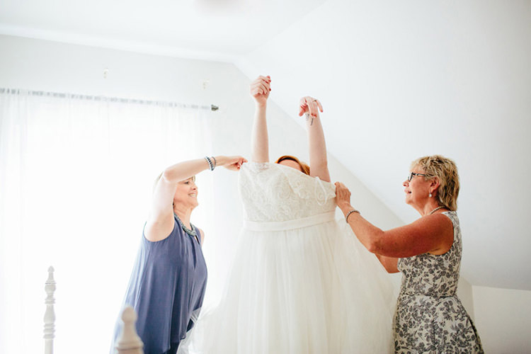 Bride Ceremony Preparations Lace Tulle Bridal Gown Creative Quirky Rustic Barn Wedding Tennessee http://www.alexbeephoto.com/