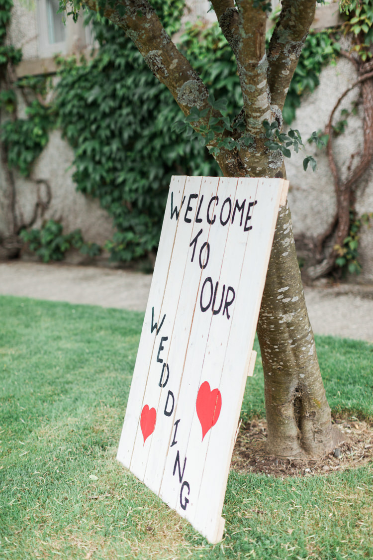 Welcome Sign Wooden Rustic Painted Pallet Beautifully Romantic Eclectic Tipi Wedding http://www.jobradbury.co.uk/