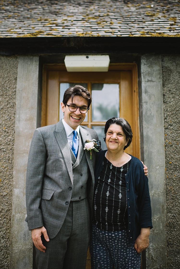 Scenic Outdoor Loch Lomond Wedding http://www.lisadevinephotography.co.uk/