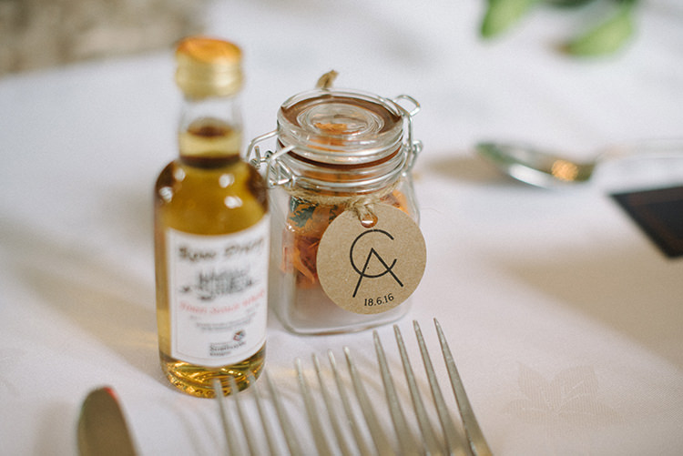 Favours Whisky Mason Jar Personalised Tag Scenic Outdoor Loch Lomond Wedding http://www.lisadevinephotography.co.uk/