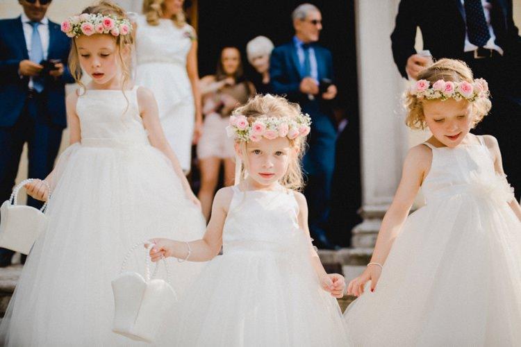 Flower Girls Garlands Petals Romantic Vibrant Pink Wedding Trieste http://www.emotionttl.com/en/home/