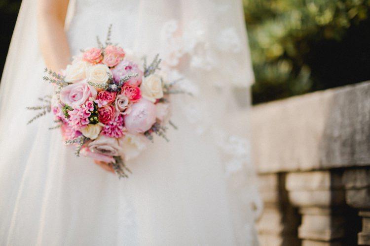 Bouquet Lavender Roses Romantic Vibrant Pink Wedding Trieste http://www.emotionttl.com/en/home/