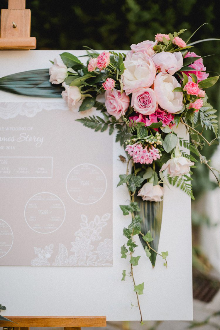 Table Plan Bouquet Romantic Vibrant Pink Wedding Trieste http://www.emotionttl.com/en/home/