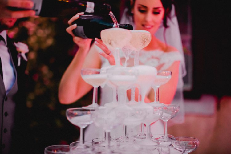 Prosecco Champagne Tower Pour Bubbles Romantic Vibrant Pink Wedding Trieste http://www.emotionttl.com/en/home/