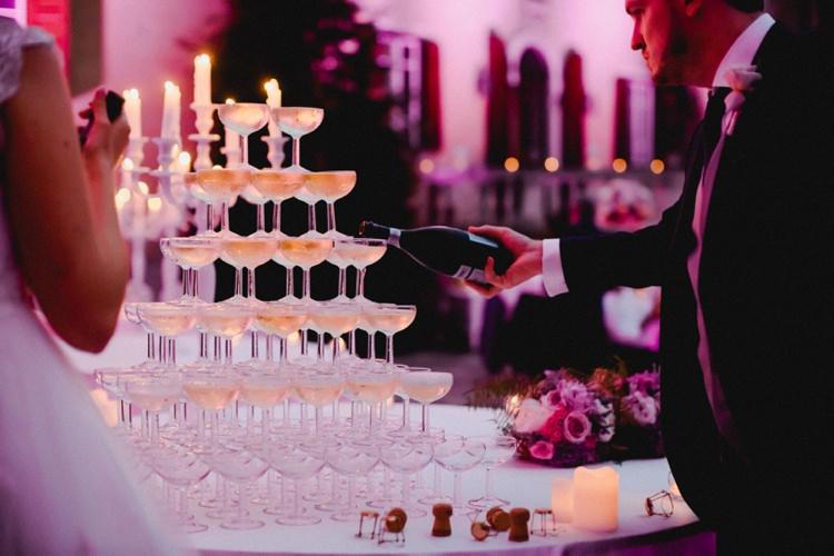 Cork Prosecco Champagne Tower Pour Bubbles Romantic Vibrant Pink Wedding Trieste http://www.emotionttl.com/en/home/