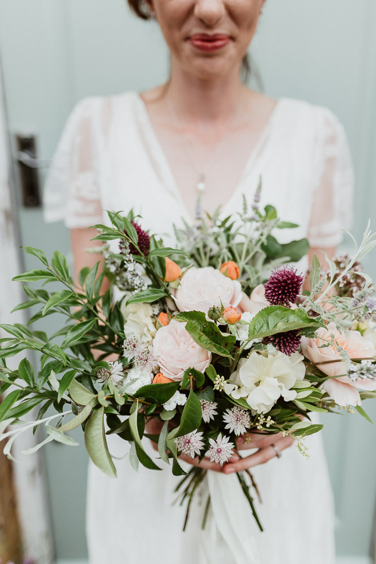 Peach Cream Bouquet Greenery Foliage Bride Bridal Rose Beautifully Relaxed Outdoorsy Barn Wedding http://www.caitlinandjones.co.uk/