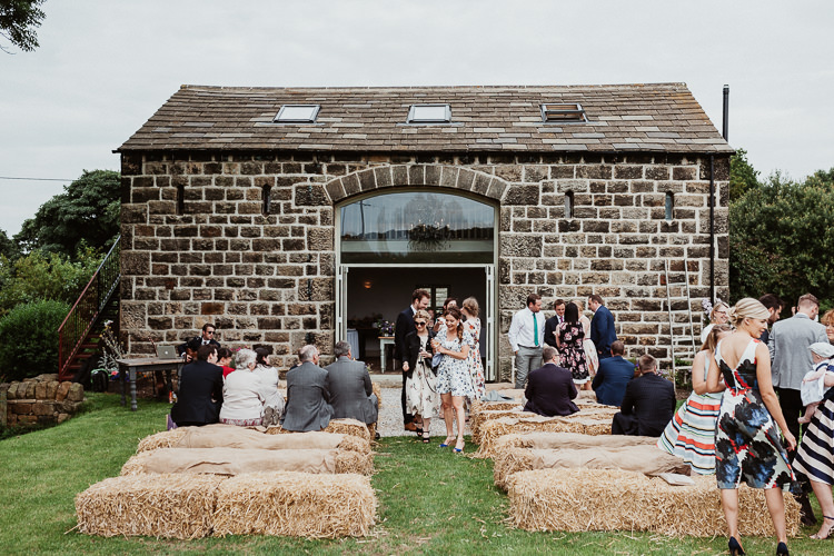 Cheerful Chilli Barn Yorkshire Outdoor Ceremony Beautifully Relaxed Outdoorsy Barn Wedding http://www.caitlinandjones.co.uk/