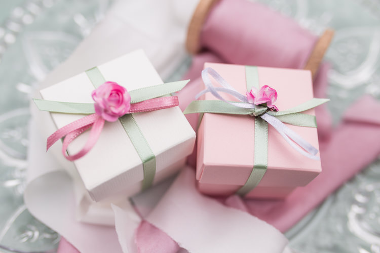 Favour Boxes Pretty Soft Country Garden Pastel Wedding Ideas https://www.ellielouphotography.co.uk/