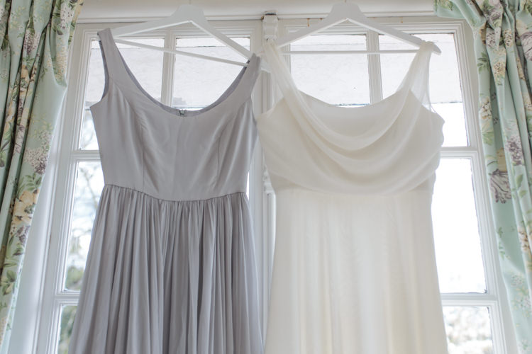 Pretty Soft Country Garden Pastel Wedding Ideas https://www.ellielouphotography.co.uk/