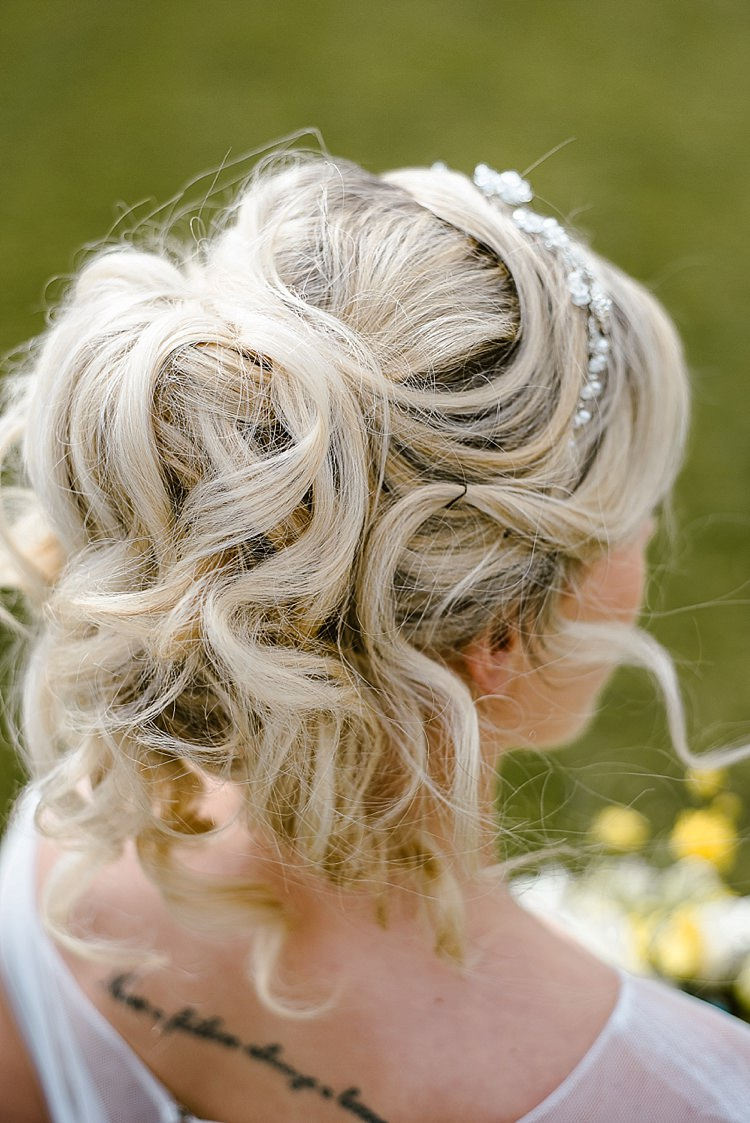 Hair Bride Bridal Style Up Do Beautiful Countryside Wedding Ideas Inspiration http://www.georginabrewster.com/