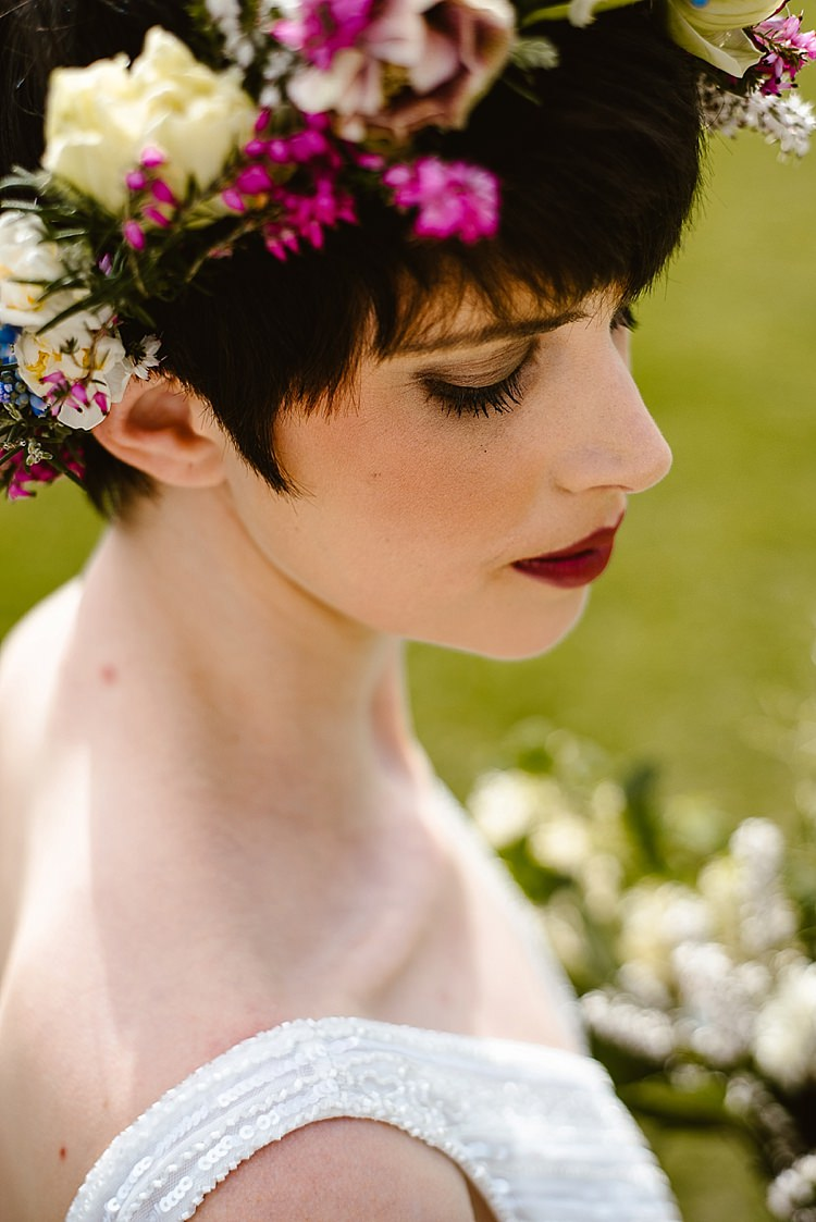 Make Up Beauty Bride Bridal Red Lips Beautiful Countryside Wedding Ideas Inspiration http://www.georginabrewster.com/