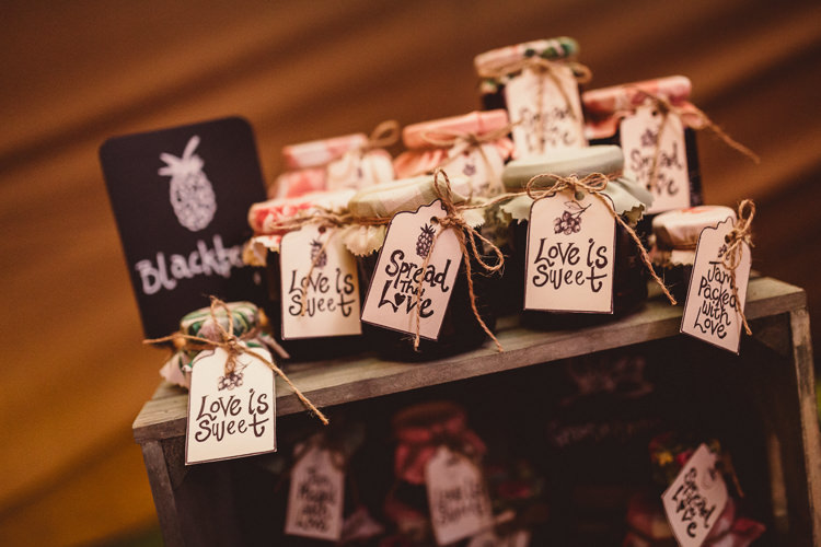Jam Favours Rustic Homemade Country Tipi Wedding http://www.pottersinstinctphotography.co.uk/
