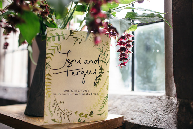 Invitation Stationery Illustrated Minimal Botanical Copper Greenery Wedding http://www.frecklephotography.co.uk/