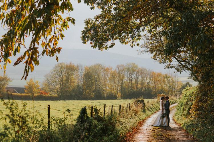 Minimal Botanical Copper Greenery Wedding http://www.frecklephotography.co.uk/