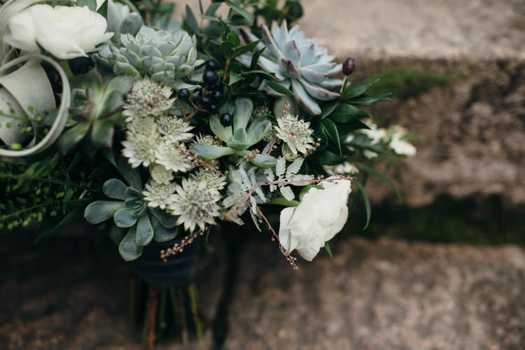 Bouquet Flowers Succulent Air Plant Foliage Bride Bridal Minimal Botanical Copper Greenery Wedding http://www.frecklephotography.co.uk/