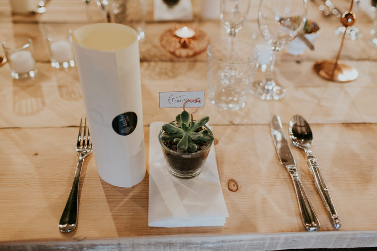Succulent Potted Favours Place Name Minimal Botanical Copper Greenery Wedding http://www.frecklephotography.co.uk/