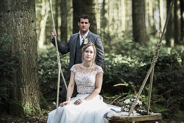 Bohemian Macramé Woodland Wedding Ideas https://samieleephotography.com/