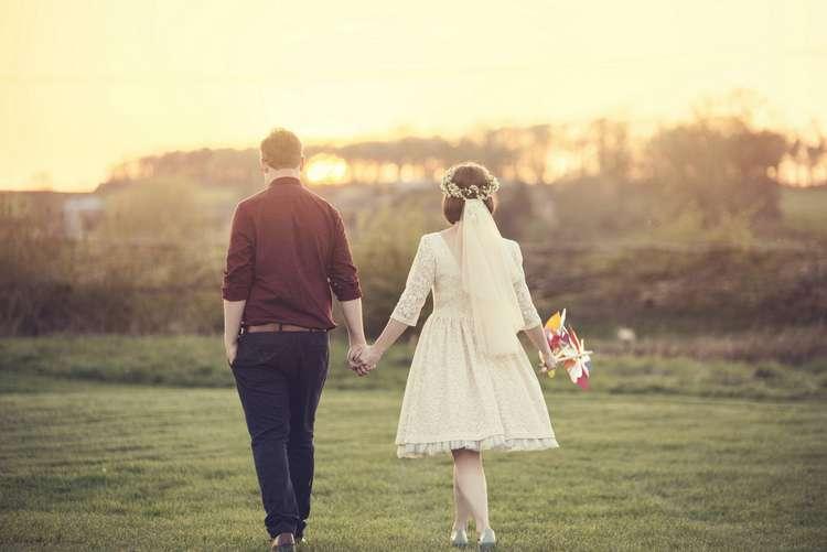 Pinwheel Kula Tsurdiu Bride Bridal Dress Tea Length Waxflower Flower Crown Veil Next Groom Burgundy Quirky Seaside Farm Wedding http://www.thomasthomasphotography.co.uk/