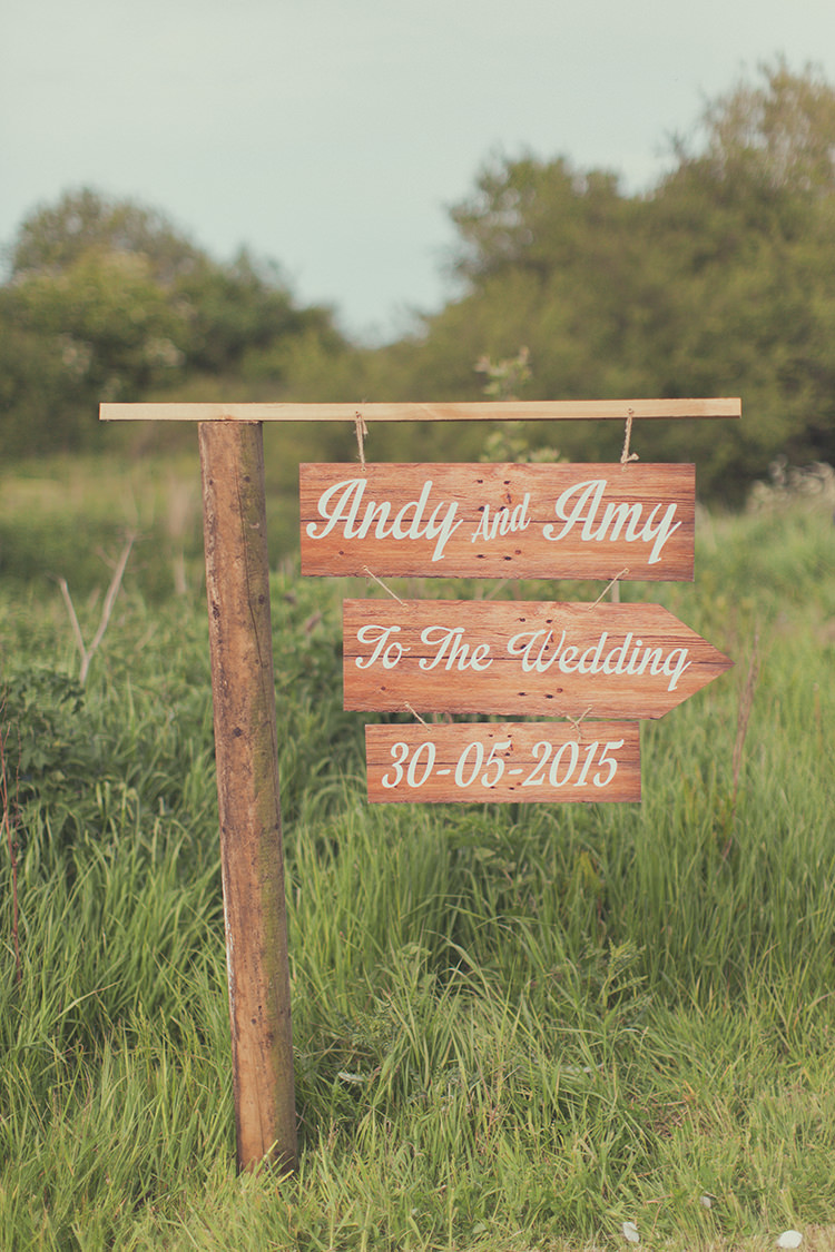 Wooden Signpost Painted Rustic Whimsical Countryside Yurt Wedding http://jamesgreenphotographer.co.uk/