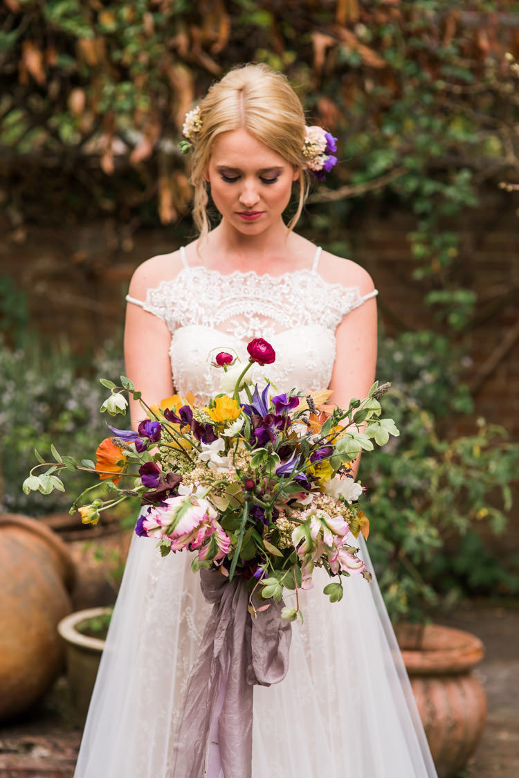 First Look Wedding Ideas in a Country Estate Garden ...