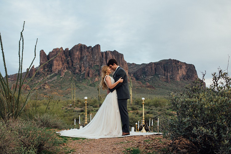 Romantic Desert Elopement Ideas http://beginningandendphoto.com/