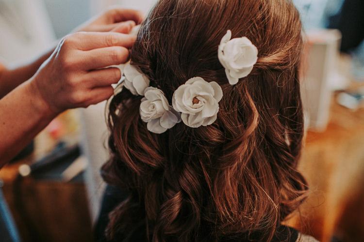 Hair Flowers Bride Bridal Accessory Rustic Charm Contemporary Pastel Barn Wedding http://www.bloomweddings.co.uk/