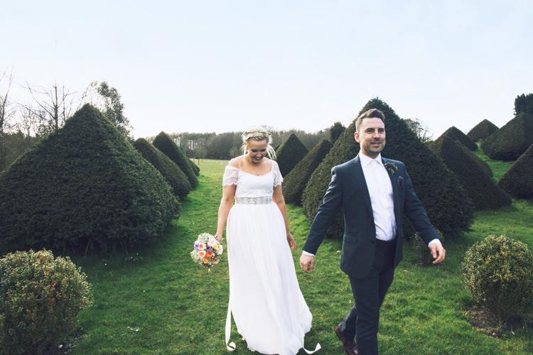 Relaxed Bohemian Spring Barn Wedding http://emilytylerphotography.com/