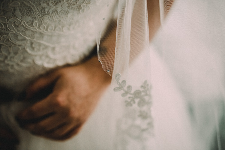 Lace Veil Bride Bridal Woodland Lavender Spring Country Wedding http://www.carlablainphotography.co.uk/
