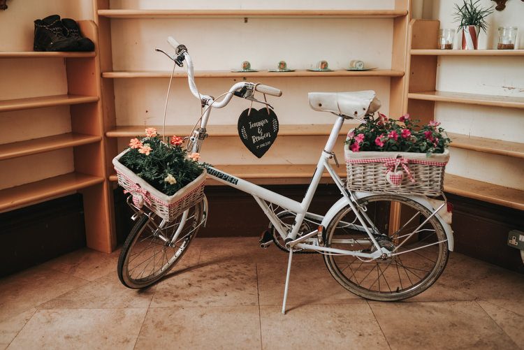 Vintage Bike Bicycle Decor Flowers Basket Crafty Fun Budget Friendly Wedding https://www.pearbearphotography.com/