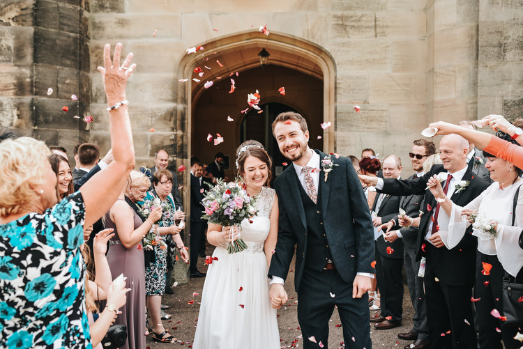 Confetti Throw Bride Groom Crafty Fun Budget Friendly Wedding https://www.pearbearphotography.com/