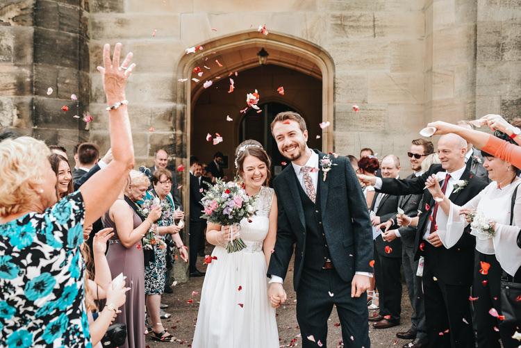 Confetti Throw Bride Groom Crafty Fun Budget Friendly Wedding https://www.pearbearphotography.com/