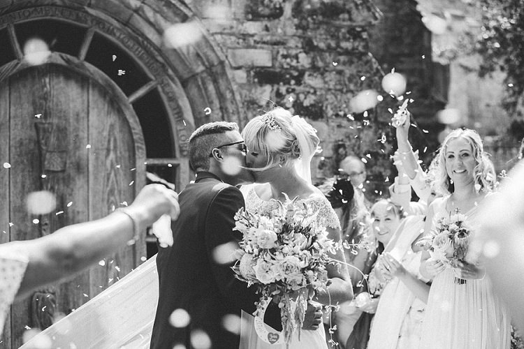 Confetti Throw Graceful Walled Garden Wedding http://helenkingphotography.co.uk/