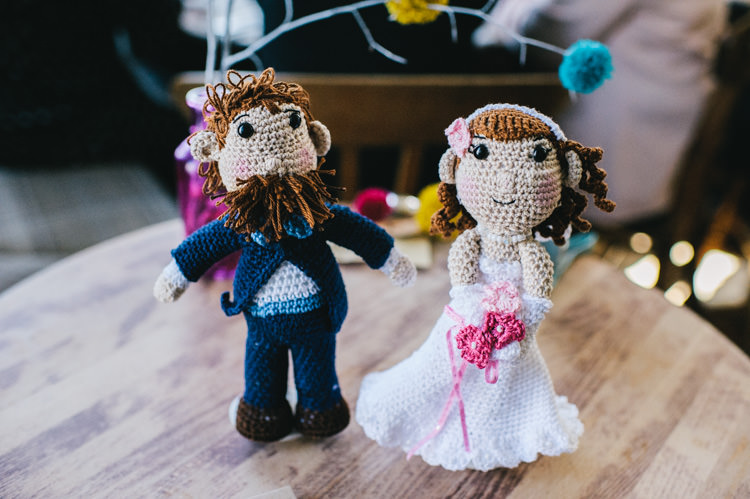 Knitted Cake Topper Bride Groom Alternative Home Made Colourful Wedding http://allisondeweyphotography.co.uk/
