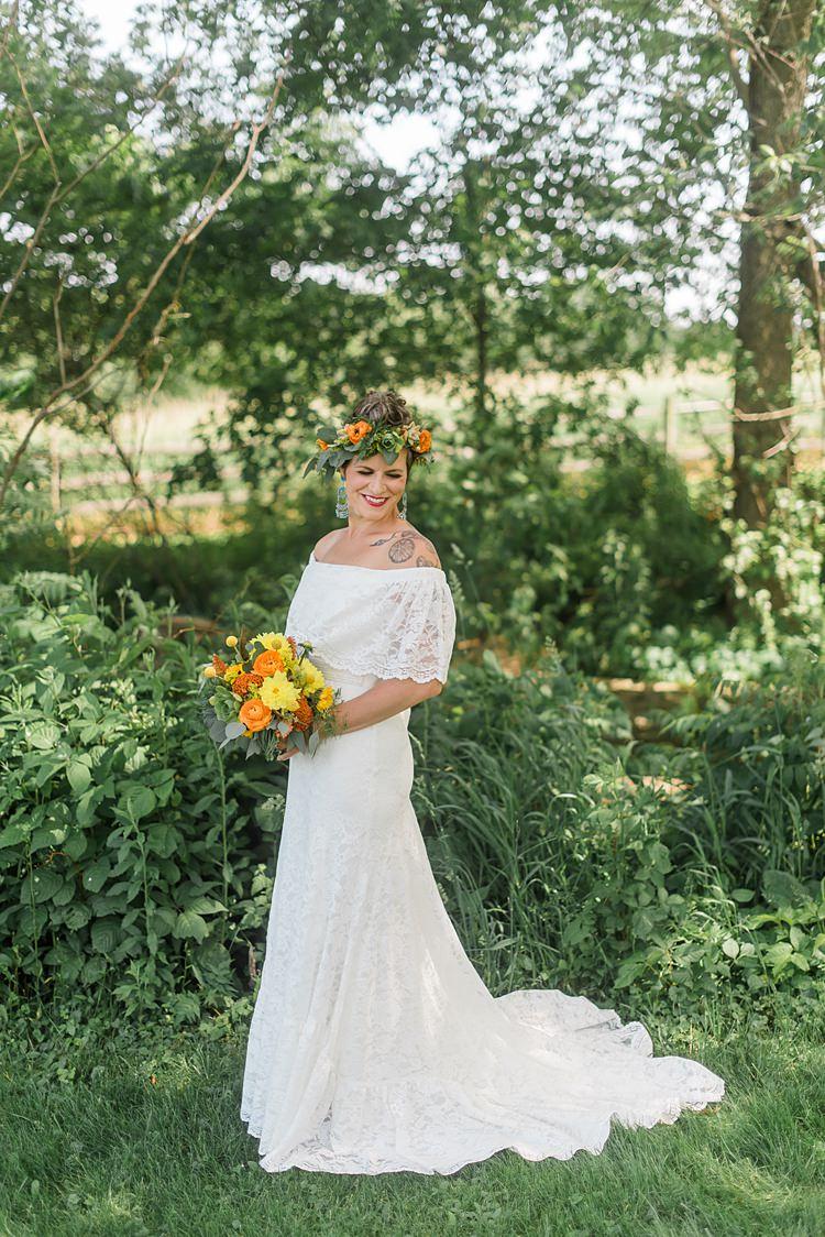 Colourful Bohemian Barn Wedding Pennsylvania http://www.dawn-derbyshire.com/