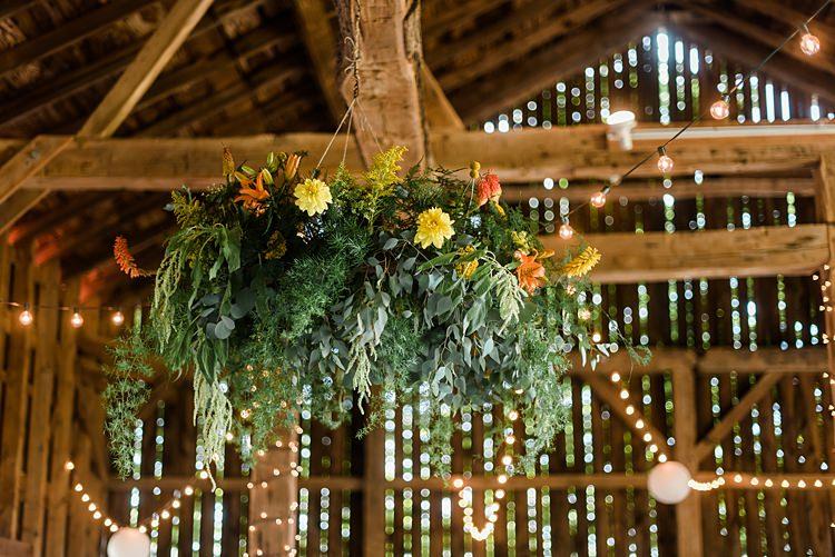 Floral Decor Barn Colourful Bohemian Barn Wedding Pennsylvania http://www.dawn-derbyshire.com/
