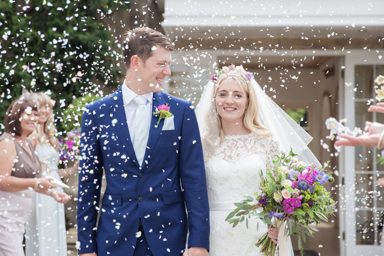 Confetti Throw Bride Groom Summer Festival Country Estate Wedding http://kerryannduffy.com/