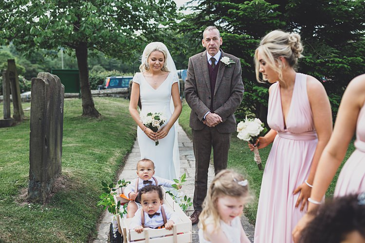 Big Stylish Outdoors Glamping Wedding https://www.jessyarwood.co.uk/