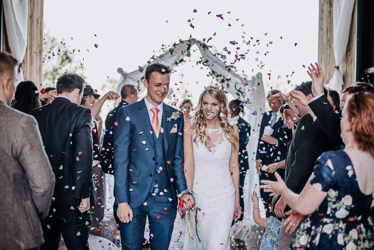 Confetti Throw Rustic Farm Barn DIY Wedding http://www.kazooieloki.co.uk/